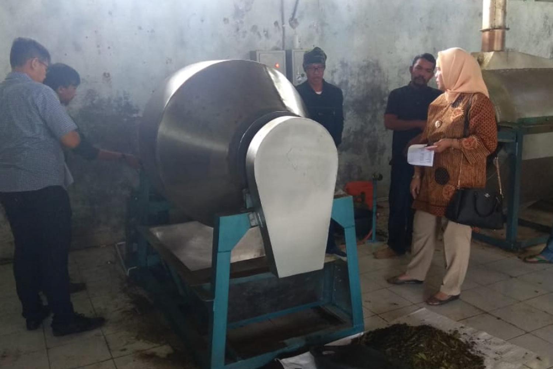 Bantuan Penyerahan Bantuan Mesin Pengolahan Teh Dari Kementerian Perindustrian Untuk Paguyuban Tani Lestari